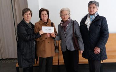 """El Cor Scherzo lliura el donatiu del concert """"Veus Solidàries"""""""